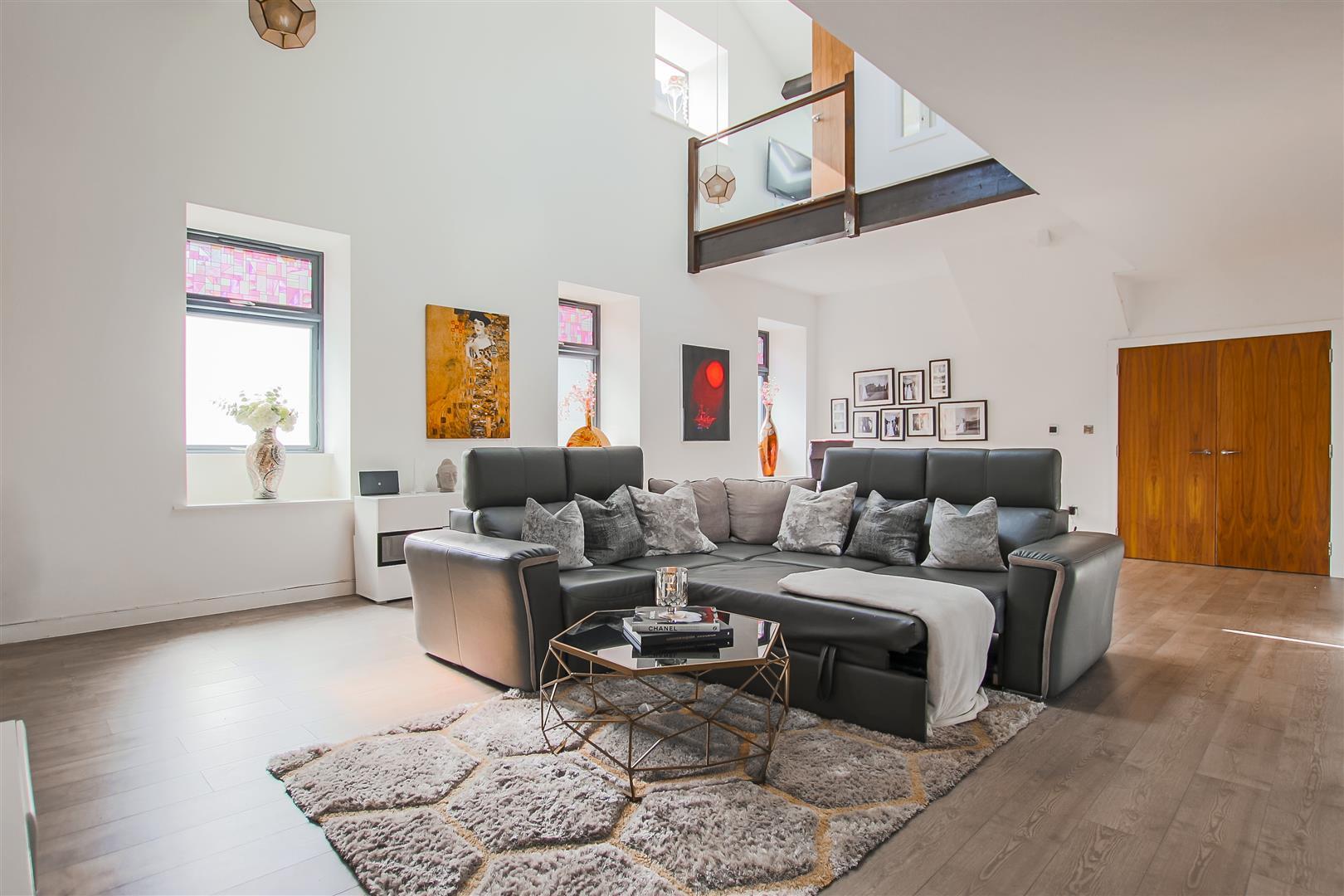 3 Bedroom Duplex Apartment For Sale - Image 22
